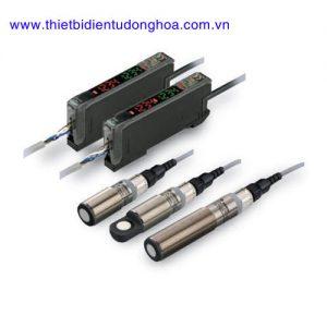 Cảm biến siêu âm Omron E4C-UDA hình trụ Ø18mm kim loại